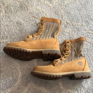 Timberland boots with weaved side 7.5
